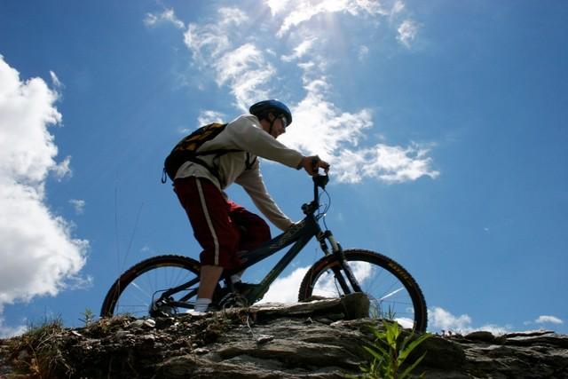 Vélo, parapente, offres multisports