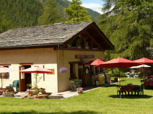 Bars & Restaurants in Summer