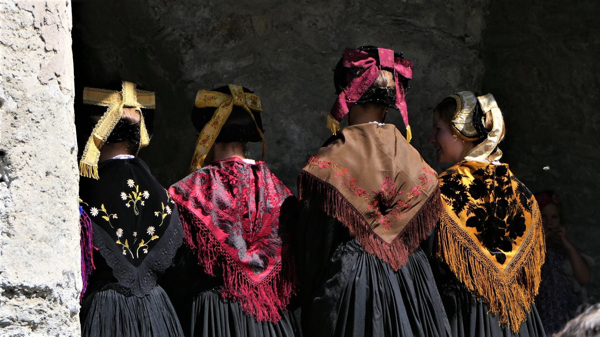 culture-patrimoine-costume-tarin-12-1504