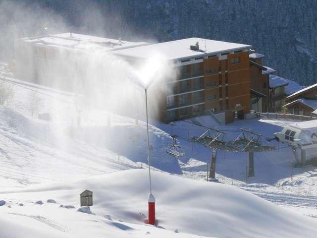 residence-des-melezes-plan-peisey-et-canon-a-neige-artificielle-28-nov-2013-3-398