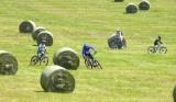 copie-de-velo-slalom-boules-de-foin-sous-nancroix-7-juillet-2013-17-copie-38892
