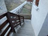 perdrix-rouge-vue-escalier-33023