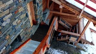 chalet-kodiak-paradise-pearl-escalier-acces-22-dec-18-2-42048