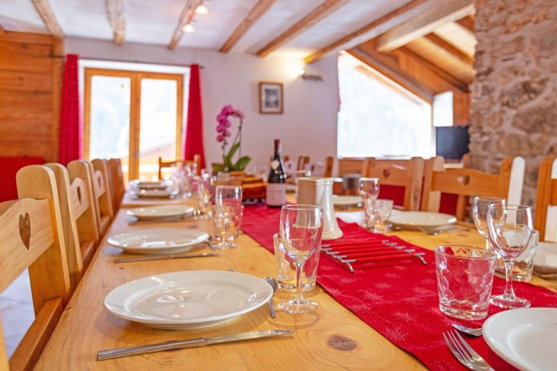 chalet-honore-salle-a-manger2-53688