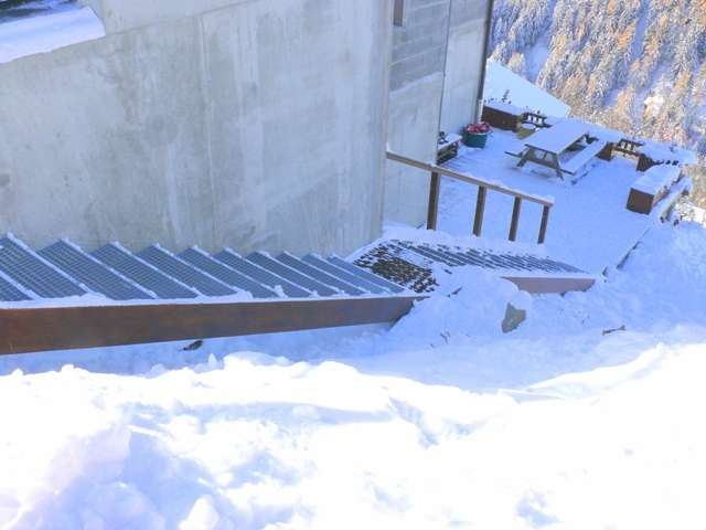 chalet-l-or-blanc-escalier-d-acces-24-nov-2013-14226