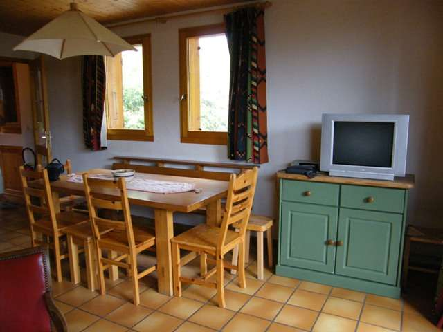 chalet-le-datcha-les-mievres-plan-peisey-coin repas