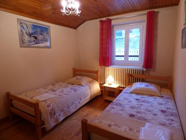 perdrix-rouge-chambre-avec-lits-simple-3-33027