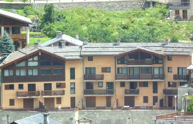 residence-la-lonzagne-vue-de-la-corbassiere-11-juillet-2011-145-36958